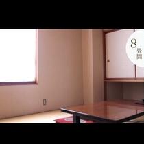 【8畳和室】 お部屋にユニットバスを備えた部屋や、高い階が嫌な方の為に2階にも8畳部屋があります。