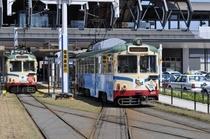 高知駅前とさでん交通の電車