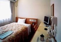 スタンダードシングルルーム ベッド幅122㎝セミダブルプランはこのお部屋です