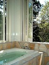 客室「花みずき」洋風露天風呂