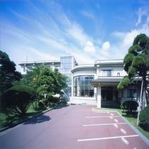 KKRはこだて【施設外観】函館駅、函館空港、函館市内へのアクセスもばっちり♪