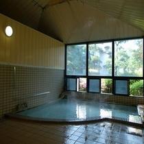 当館自慢の源泉かけ流しの温泉【大浴場】