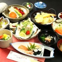 リーズナブル夕食。天ぷらや握りずしがついてこのお値段!お得です♪