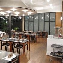 レストラン・カナ