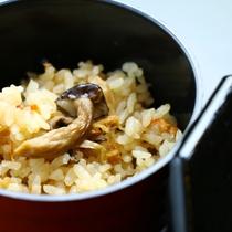 旬の食材を使った!女将特製♪手作り料理が並びます。