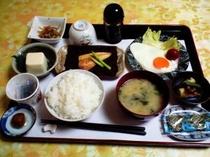 朝食3目玉焼き