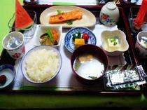 朝食例1鮭の塩焼き