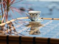 海を見ながらコーヒーブレイク♪