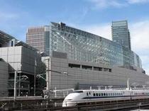 新幹線は品川、新横浜いずれも至便