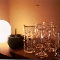 【かぐや】当館の主が厳選して選び抜いたグラスをご用意しています。秩父のワイン・地酒をご堪能ください。