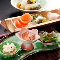 【会席料理一例】全10品の創作会席料理を是非堪能ください。主食は季節の炊き込みご飯!