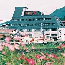 湯田中の真ん中に位置する星川館