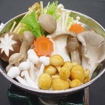 信州秋の味覚【きのこ鍋】