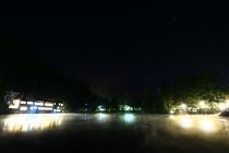 夜の金鱗湖