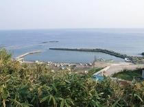 東風泊(やませどまり)砂浜海岸.近くの船入れ間