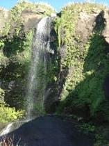 ホヤ石の滝