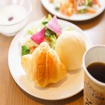 「健康朝食」無料!!
