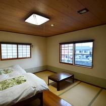 ゆったり寛げる、和洋室11畳のお部屋です。
