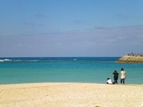 11月の沖縄の海