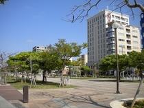 3月の那覇新都心街とホテルの風景