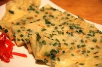 沖縄版チジミとも言える ヒラヤーチー 沖縄の食べ物は カタカナ読みがとても多いです