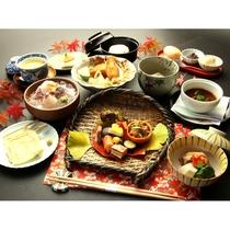 【秋の夕食の一例】秋に楽しむ旬の味覚満載♪秋の風情あふれる懐石料理をご堪能頂きます