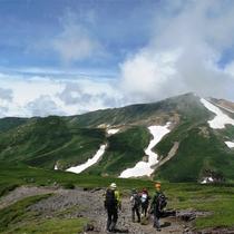 【大雪山旭岳登山(夏)】難易度が異なる多数の登山コースあり。それぞれ見どころ満載です。