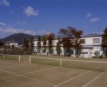 テニスコート2面