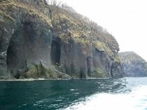 世界自然遺産「知床」の断崖絶壁