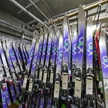 *冬期はスキーセットの貸し出しを行っております!