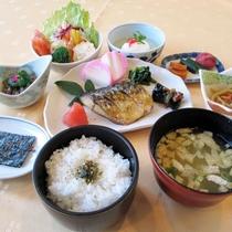 *選べる朝食例/和食。身体に優しい朝食で、1日元気!