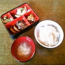 夕食例(仕出しB)