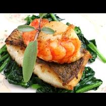 【夕食一例】エビと鯛のポワレ