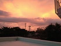 客室からの夕暮れの景色