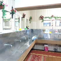 *共同洗面所:清潔さを保つように心がけております