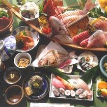 <夕食一例>地元で獲れた新鮮な海の幸や心のこもった手作り料理でおもてなしいたします