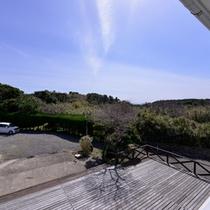 *お部屋からの景観/玄海灘にそよぐ心地よい潮風を感じながら、旅情に浸るひと時をお過ごしください。