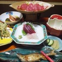 *【夕食全体例】新鮮な旬の素材を活かした料理をご用意します。