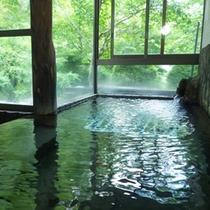 *【温泉】源泉かけ流しの湯で、日頃の疲れをゆっくり癒してください。