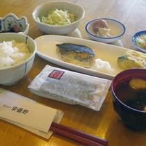 *【ご朝食一例】日本名水百選の湧き水で育った、ふっくらおいしいごはんが魅力☆