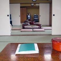 *【訳あり/トイレなし10畳〜30畳一例】ふすまを開ければ十畳の和室3部屋を繋げてご使用頂けます!