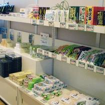 *【売店コーナー】安曇野の特産を中心にお土産を取り揃えております。