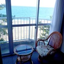【和室一例】お部屋からは海が一望!さざ波の音が聴こえますよ^^♪