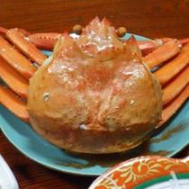 【夕食一例】時期によってはベニズワイ蟹もお付けしています♪身が詰まって美味しい!