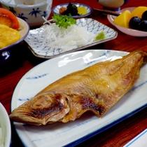 【朝食一例】焼き魚がメインのthe日本の朝食です♪