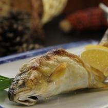 季節の川魚の塩焼き