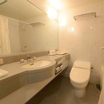 【ユニットバス】洋室のお部屋は全室ユニットバス、洗浄機付きトイレを設置しております。