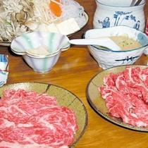 特選の但馬牛を特製の出汁でしゃぶしゃぶ。贅沢な逸品です。(一例)