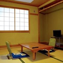 【和室6畳一例】こじんまりとした和室ですが、3名様でお寛ぎいただけます。シングル利用もできます。