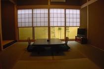 坪庭付和室